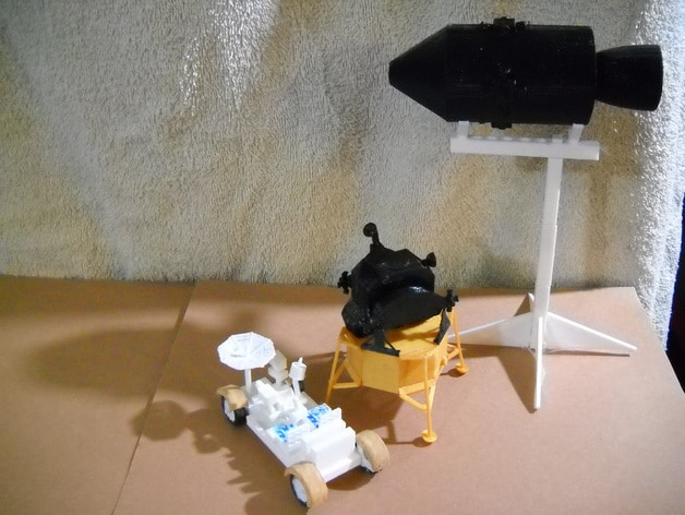 Cindy Jory's 3D printed rendition of the Apollo 11 spacecraft.